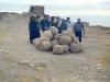 Coro_delle_Egadi_-277-Israele-Deserto_di_Giudea-Novembre_1986-Masada_con_pietre_ciclopiche.jpg